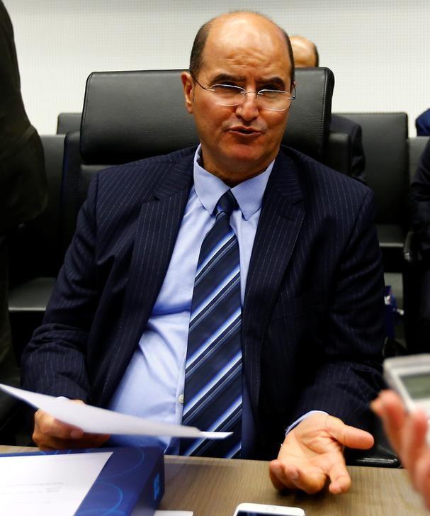 مقابلة-وزير النفط الكويتي: لولا اتفاق أوبك والمستقلين لنزل السعر عن 25 دولارا