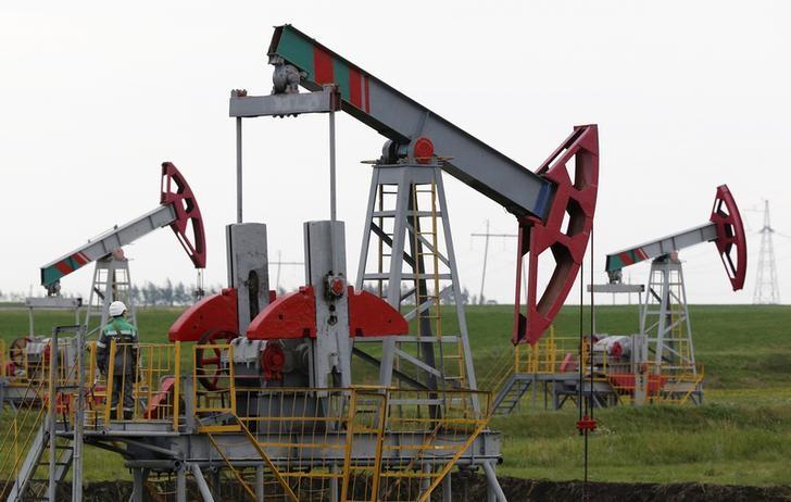 مؤسسة بحثية روسية تتوقع انخفاض صادرات البلاد من النفط في 2017