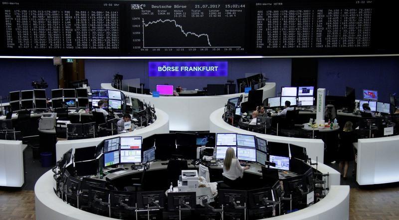 أسهم أوروبا تهبط مع صعود اليورو