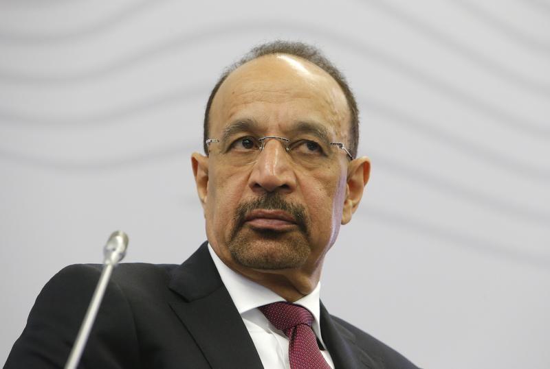 النفط يصعد 1% بعد تعهد السعودية بخفض الصادرات الشهر القادم