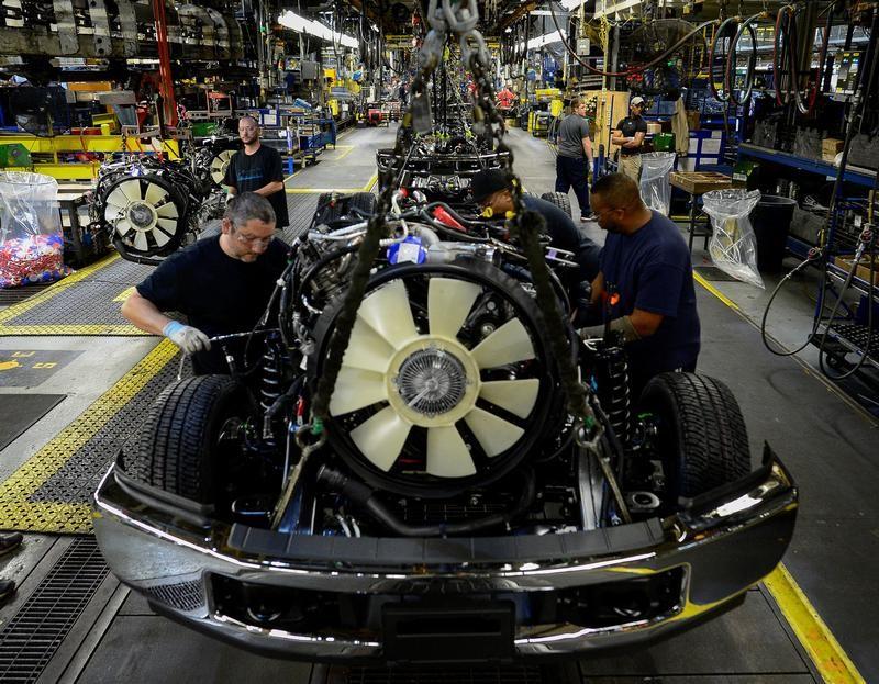 طلبيات المصانع الأمريكية تسجل أكبر مكاسب في 8 أشهر