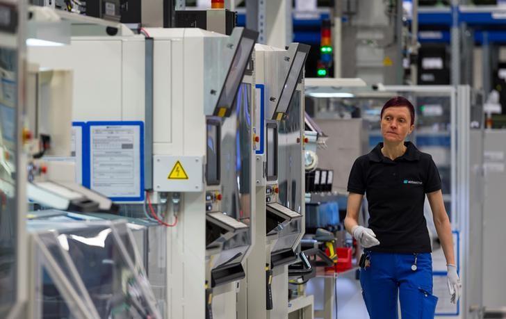 الطلبيات الصناعية بألمانيا تفوق التوقعات في يونيو بدعم الطلب المحلي