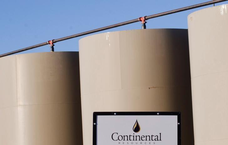 انخفاض مخزونات الخام الأمريكية وزيادة البنزين