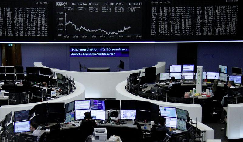 أسهم أوروبا تنخفض صباحا مع تركيز السوق على نتائج الأعمال