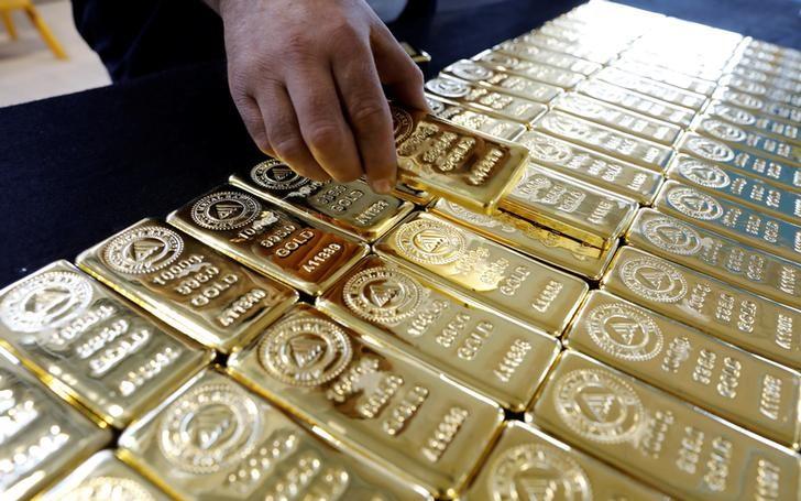 الذهب مستقر قرب أعلى مستوى في شهرين بدعم توترات كوريا الشمالية