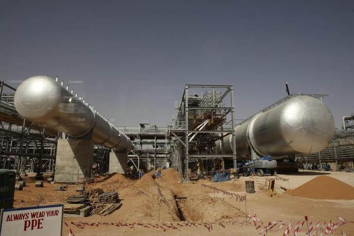 عجز الميزانية السعودية يتقلص في الربع/2 وزيادة الإيرادات 6%