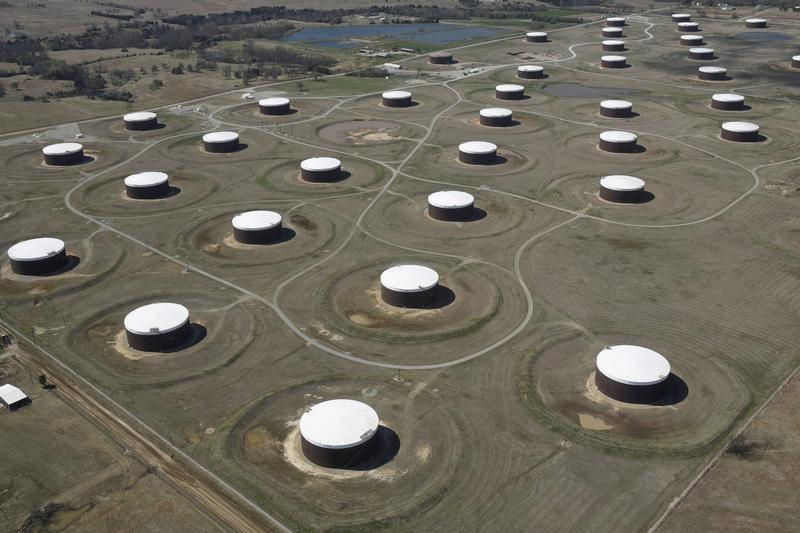 معهد البترول: تراجع مخزونات النفط الأمريكية 9.2 مليون برميل