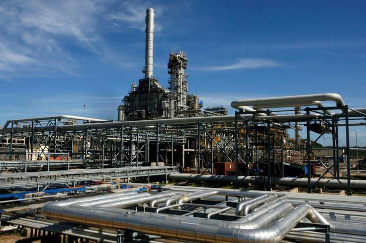 واردات فيتنام النفطية ستبلغ مستوى قياسيا مع بدء تشغيل مصفاة جديدة