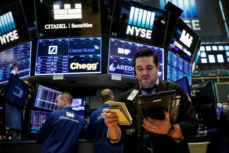 الأسهم الأمريكية ترتفع على أمل إصلاح ضريبي