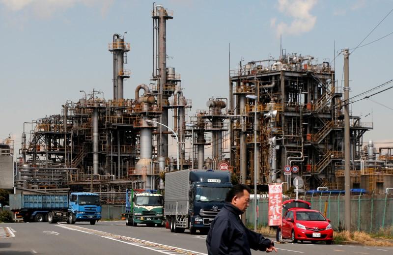الناتج الصناعي الياباني يتراجع 0.8% على أساس شهري في يوليو