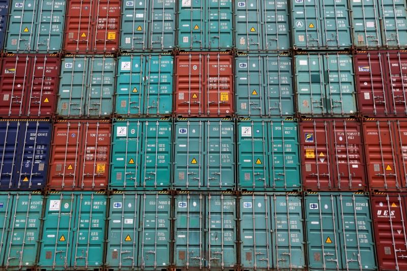 العجز التجاري الأمريكي يرتفع والعجز مع الصين عند أعلى مستوياته في 11 شهرا