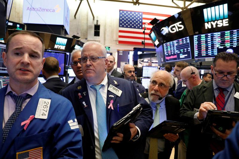 مؤشرات الأسهم الأمريكية تغلق عند مستويات قياسية جديدة