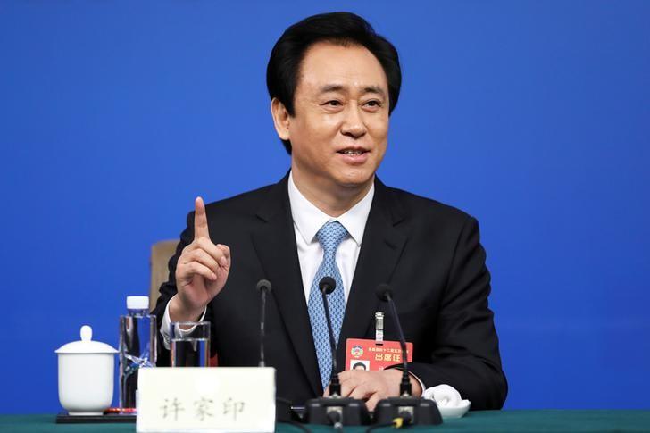 أغنى رجال الصين يكون ثروة ضخمة رغم تراكم الديون
