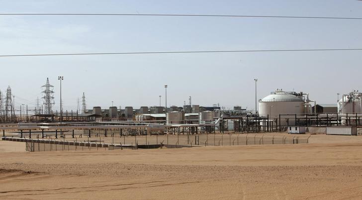 بيان: رئيس مؤسسة النفط الليبية يحضر اجتماع أوبك والمستقلين