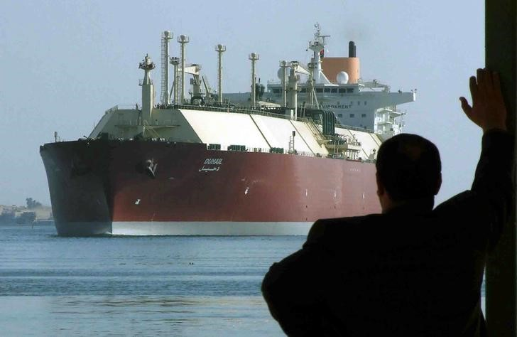 قطر تسعى لفتح أسواق جديدة للغاز المسال بمحطات عائمة