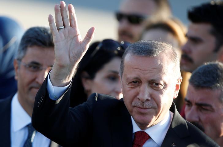 تركيا تدعو السعودية لإسقاط المطالب الموجهة لقطر