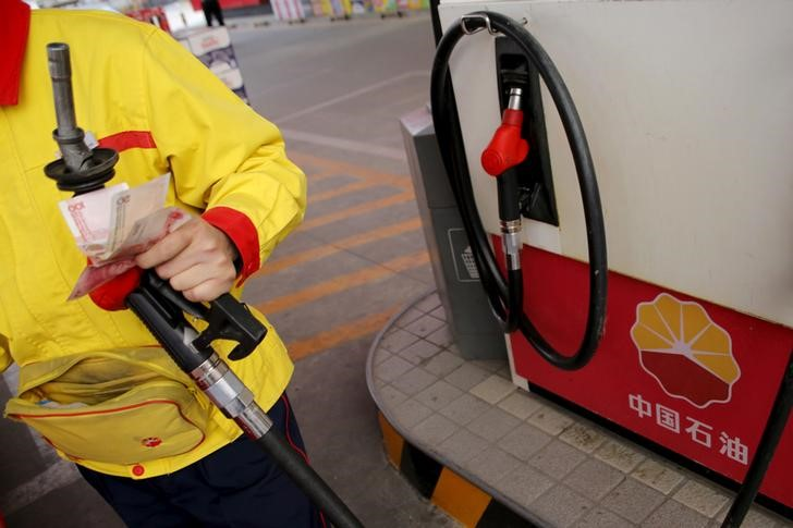 الصين ترفع أسعار البنزين والديزل