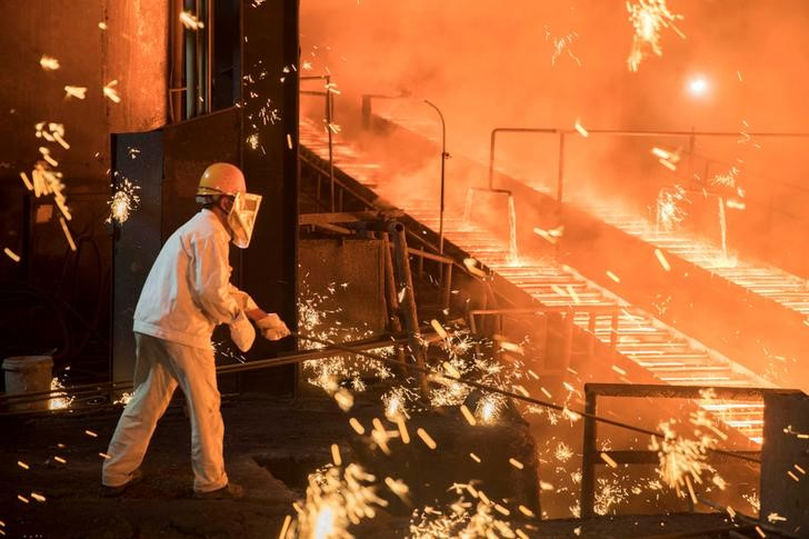 واردات آسيا من النفط الإيراني تسجل أدنى مستوى في 14 شهرا