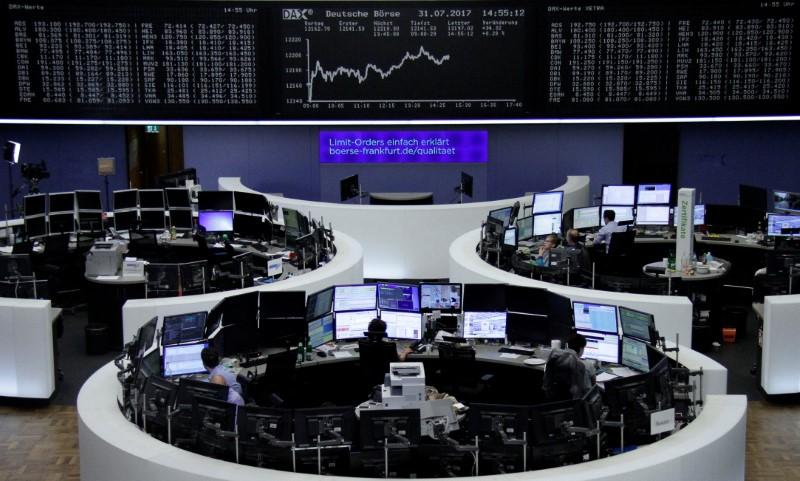القطاعان النفطي والمالي يقودان أسهم أوروبا للصعود في مستهل تعاملات أغسطس