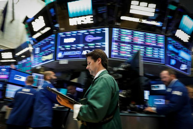 الأسهم الأمريكية تفتح مرتفعة والأنظار على اجتماع جاكسون هول