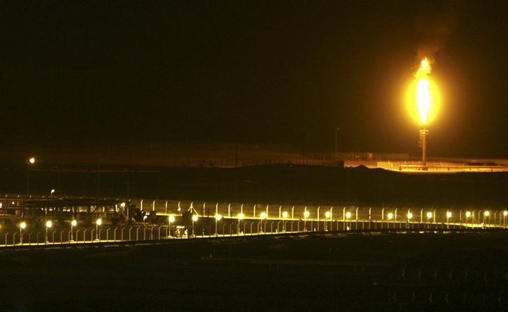 مصدر: السعودية تبقي سعر بيع الخام العربي الخفيف لآسيا دون تغيير في فبراير